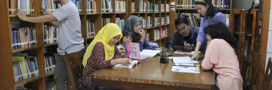 Berkunjung ke Perpustakaan AKATIGA